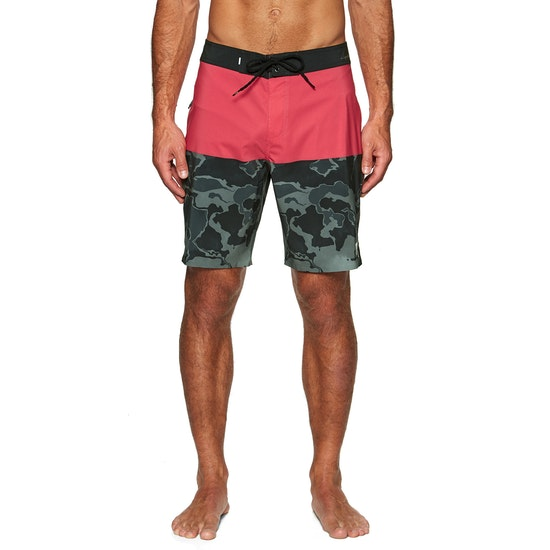 Quiksilver Highline division deluxe 19 Boardshorts