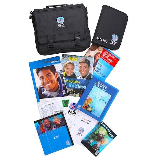 PADI Divemaster Crewpack Manual