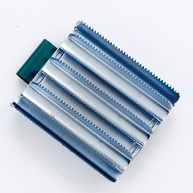 Lincoln Military Metal Curry Comb - Silver