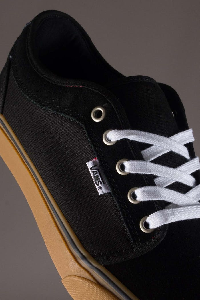 4c606863d857 Vans Chukka Low Shoes