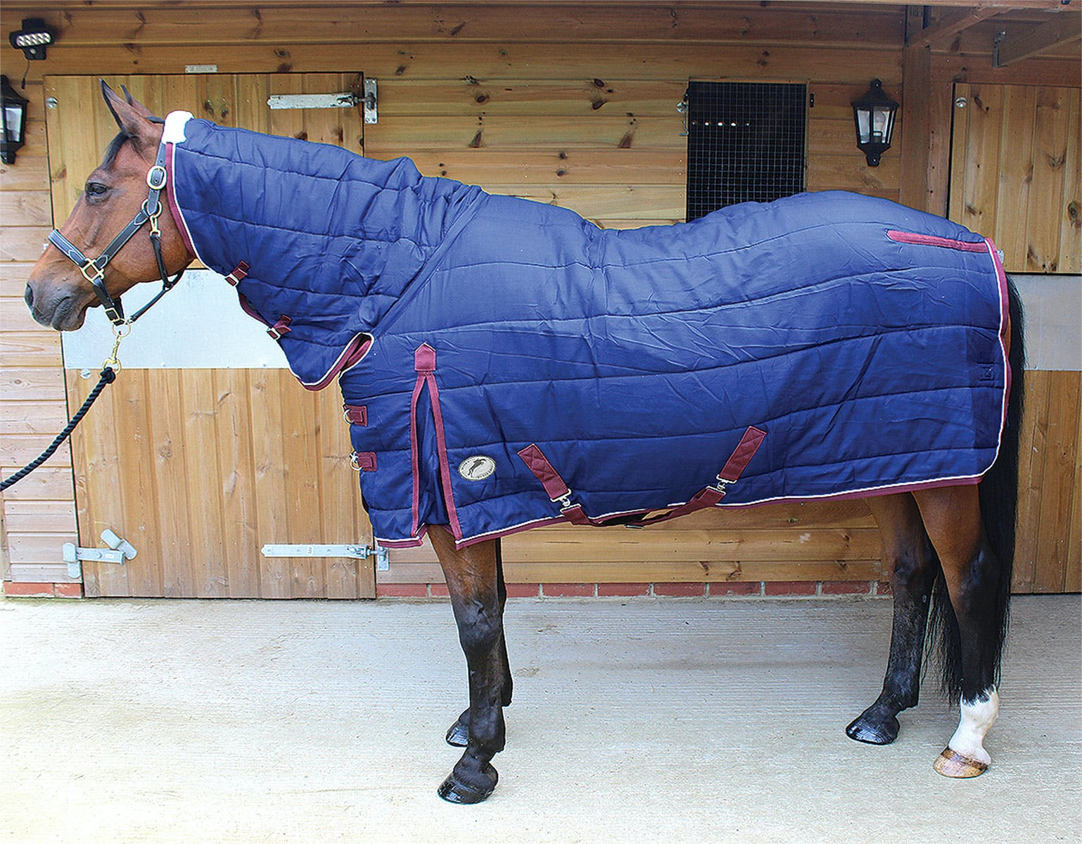 Jhl Mediumweight Quilted Combo Stable Rug Available From