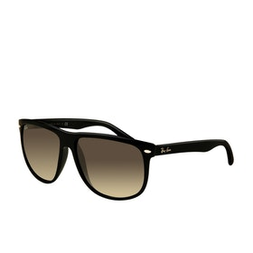 Ray-Ban RB4147 Sunglasses - Black Crystal Grey Gradient