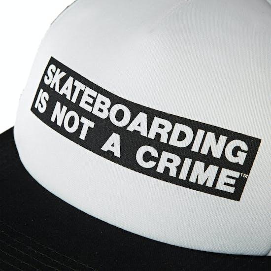 Santa Cruz Not A Crime 帽子