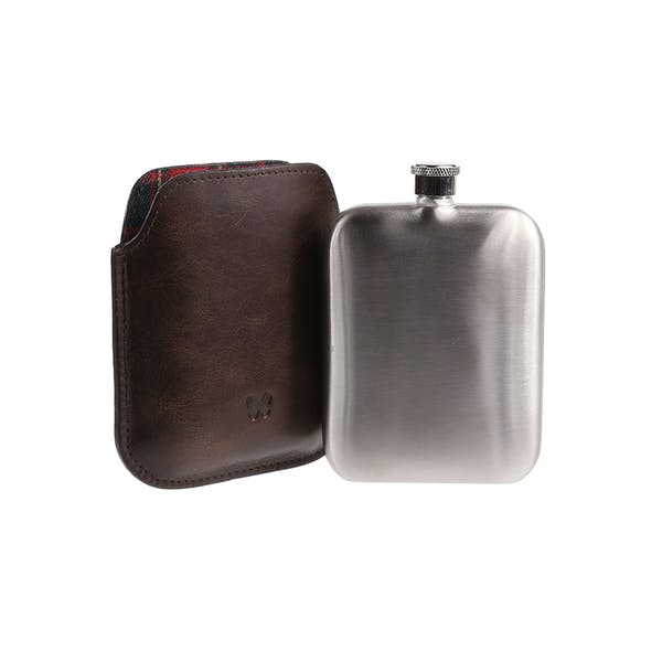 Country Attire Ealing Flasche