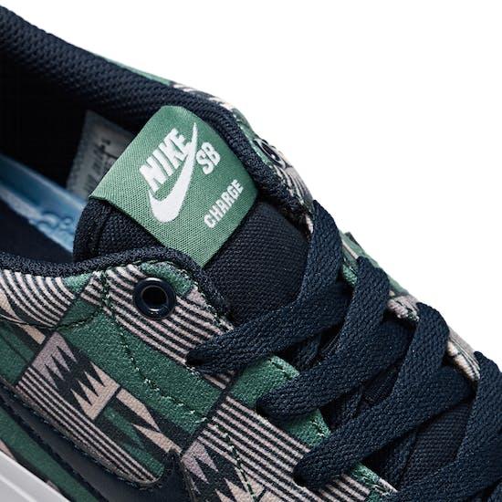 Nike SB Charge Premium Trainers
