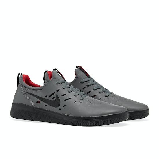 Nike SB Nyjah Free Thors Day Trainers